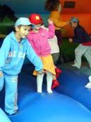skákací hrad / at a jumping tent