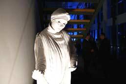 socha / a statue